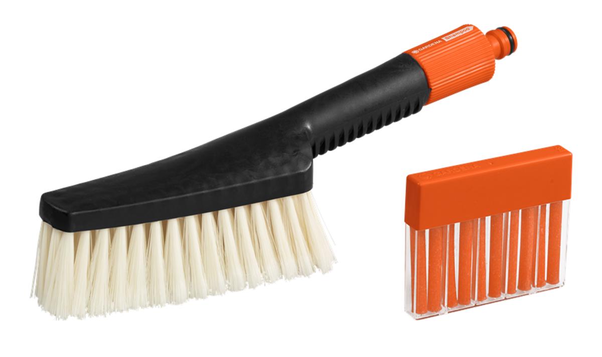 Gardena hand-held wash brush
